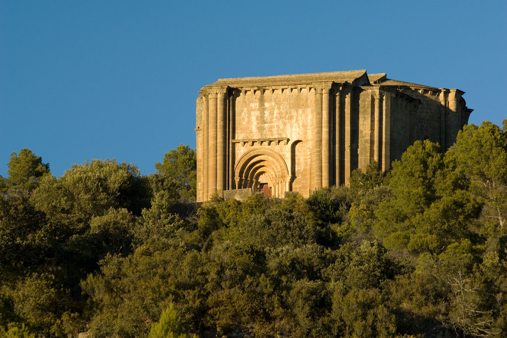 iglesia de santiago de aguero joya romanica inacabada